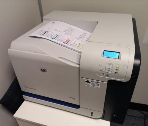 HP CP3525N printer